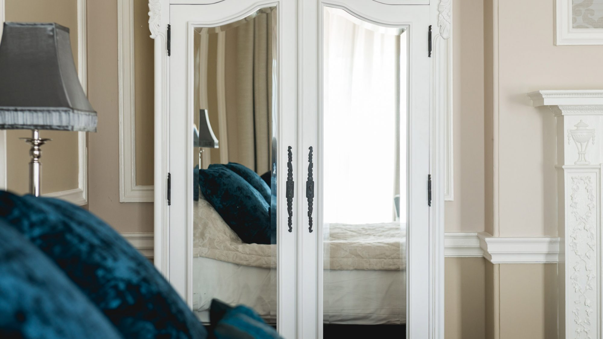 Hothorpe Hall guest bedroom interior